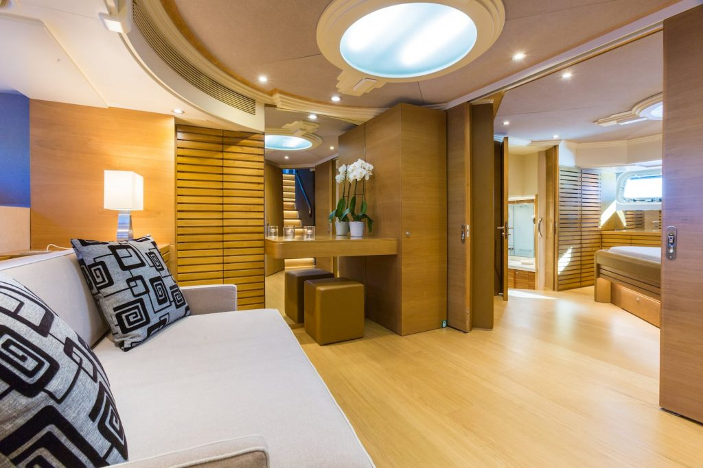 Mykonos-Luxury-Yacht-Aquarella31