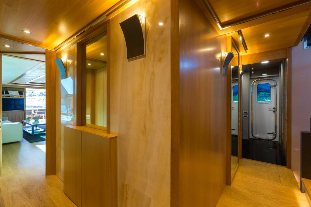 Mykonos-Luxury-Yacht-Aquarella33