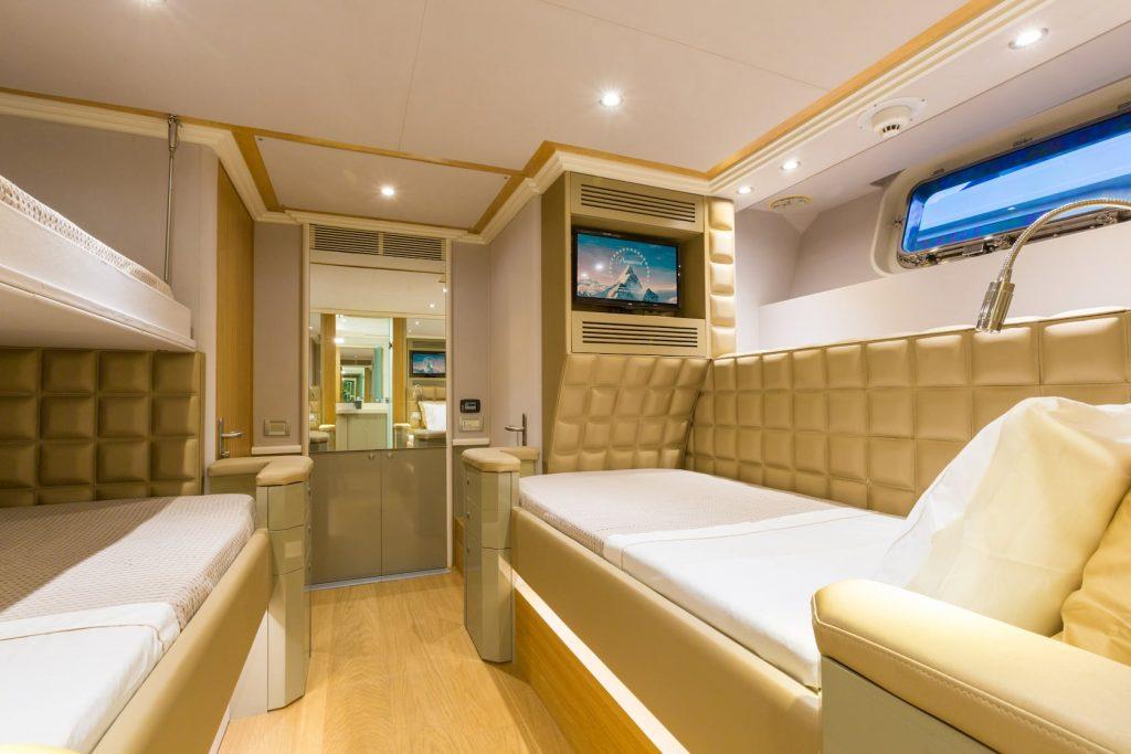 Mykonos-Luxury-Yacht-Aquarella5