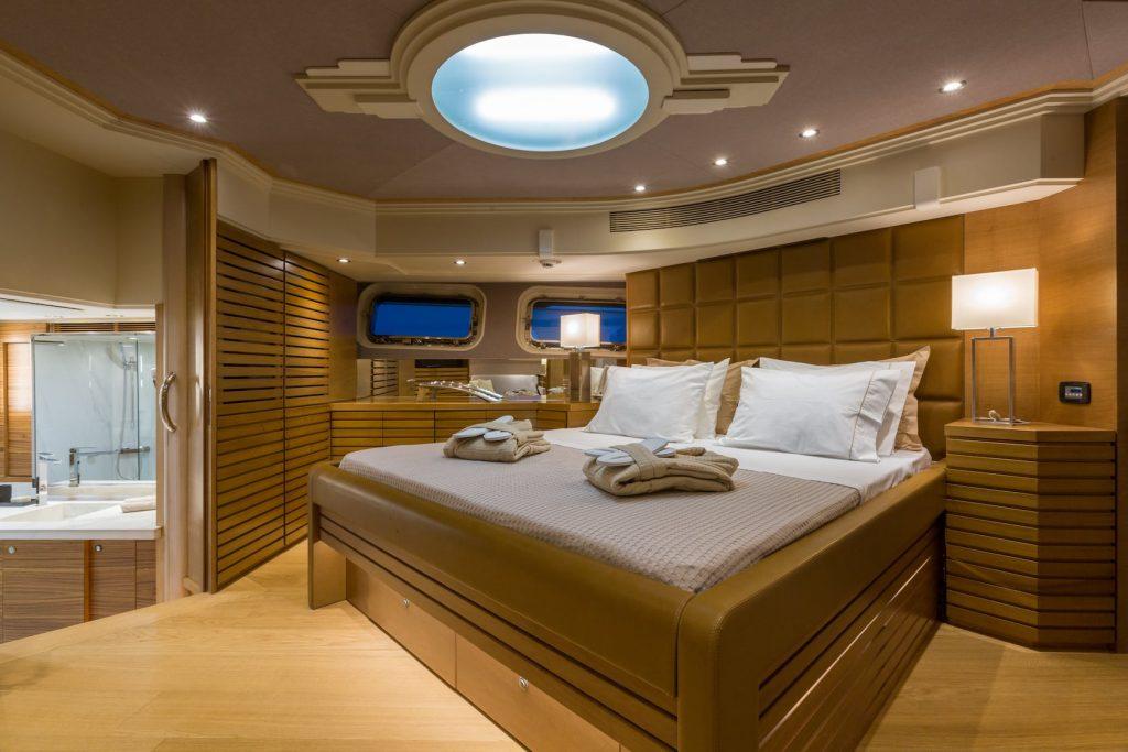 Mykonos-Luxury-Yacht-Aquarella6