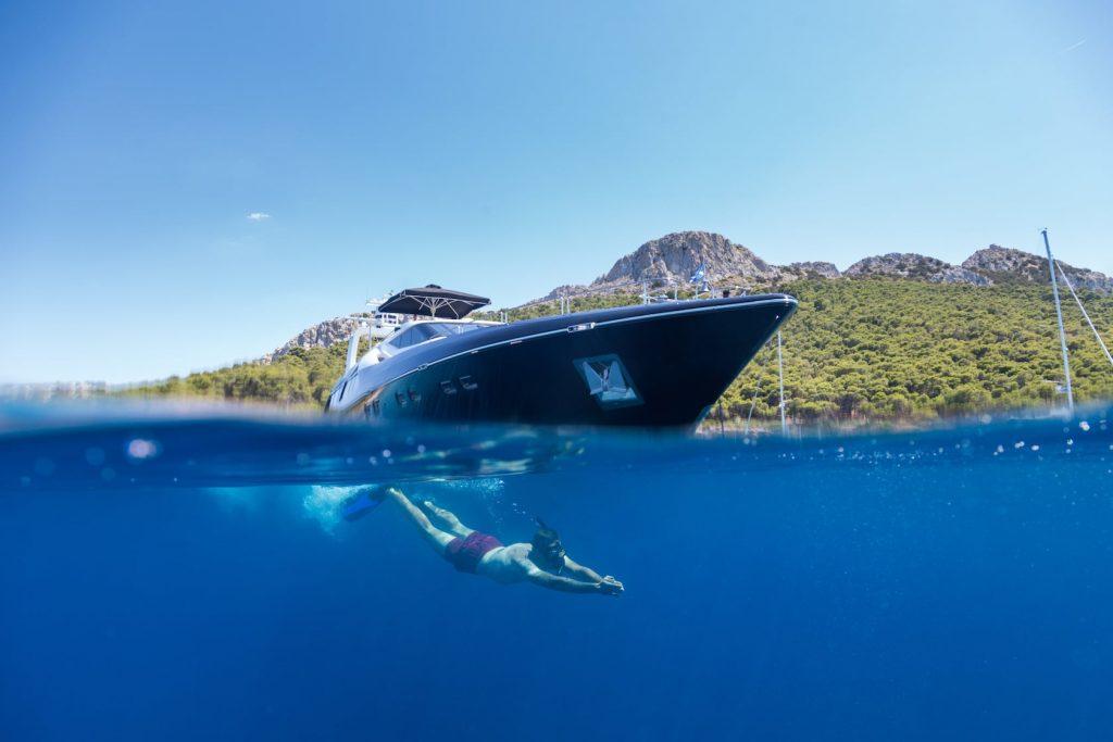 Mykonos-Luxury-Yacht-Aquarella8