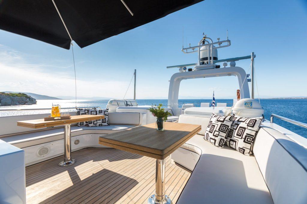 Mykonos-Luxury-Yacht-Aquarella9