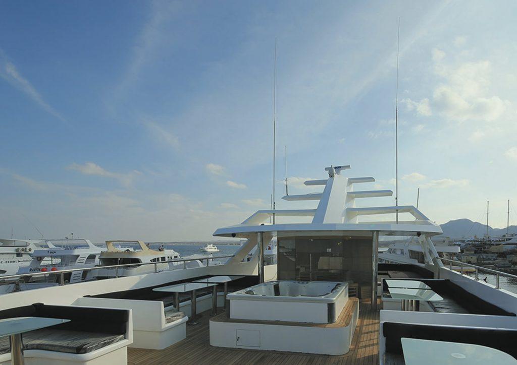 Mykonos Luxury Yacht Conceptum13
