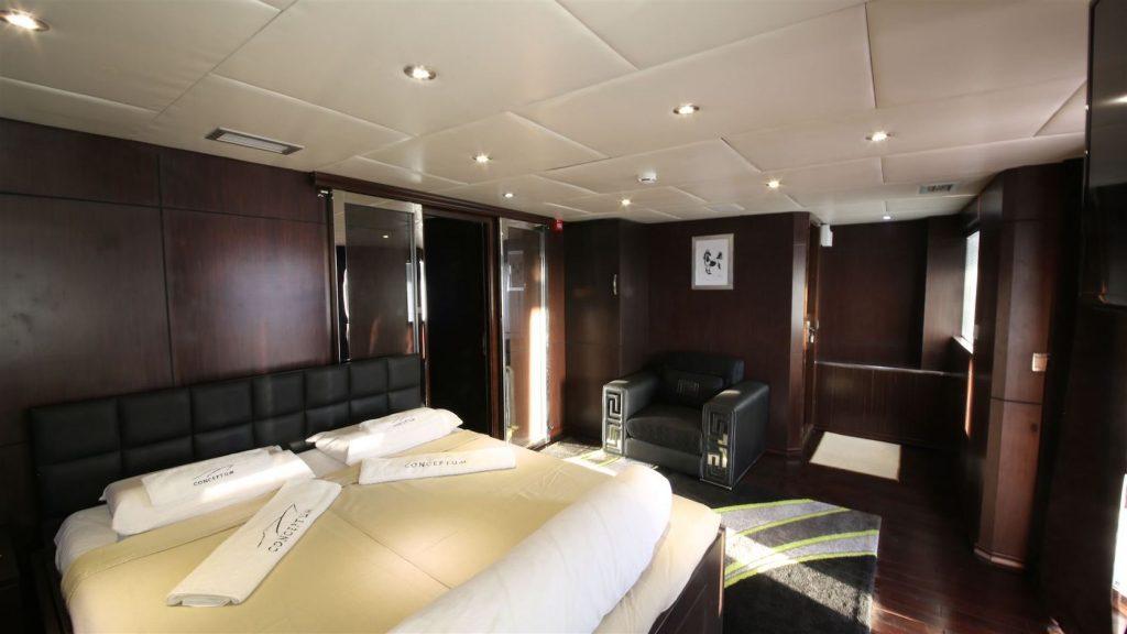 Mykonos Luxury Yacht Conceptum26