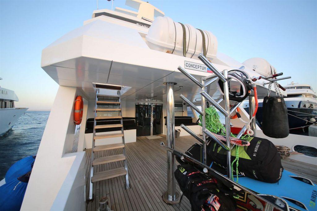 Mykonos Luxury Yacht Conceptum32