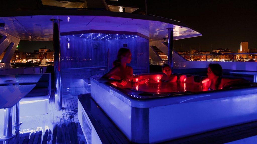 Mykonos Luxury Yacht Conceptum39