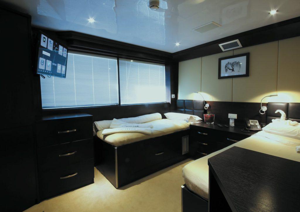 Mykonos Luxury Yacht Conceptum8