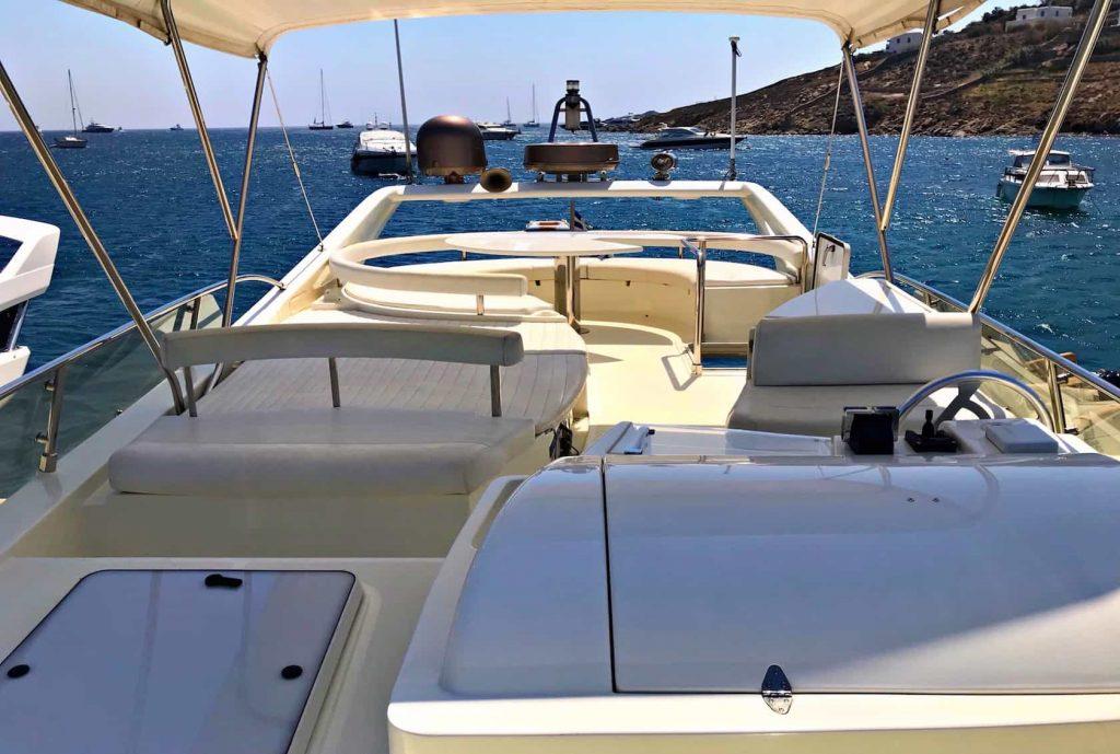 Mykonos luxury yacht Ferretti 53 Flybridge - Baby10
