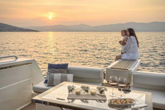 Mykonos luxury yacht Ferretti 53 Flybridge - Baby14