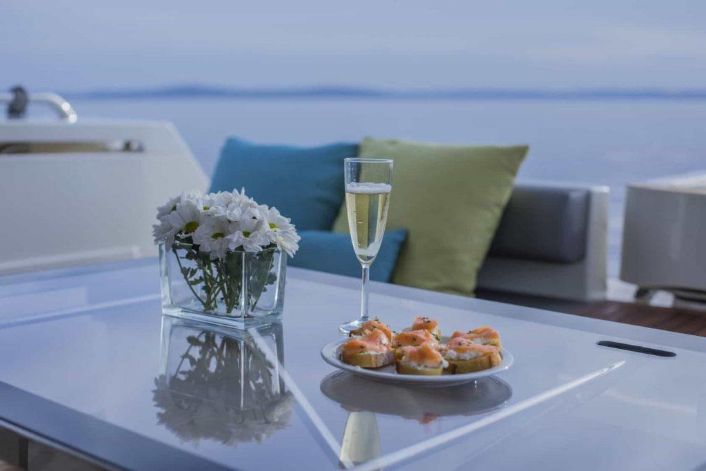 Mykonos luxury yacht Ferretti 53 Flybridge - Baby15