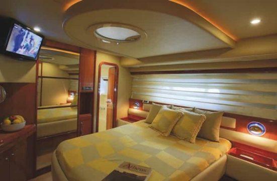 Mykonos luxury yacht Ferretti59_4