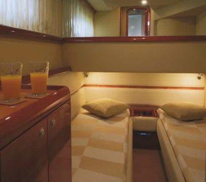 Mykonos luxury yacht Ferretti59_5