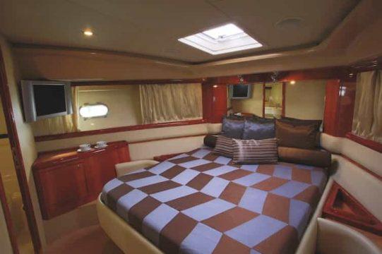 Mykonos luxury yacht Ferretti59_8