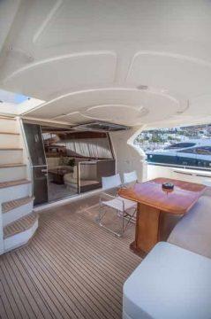 Mykonos-luxury-yacht-Ferretti-68_03.jpg