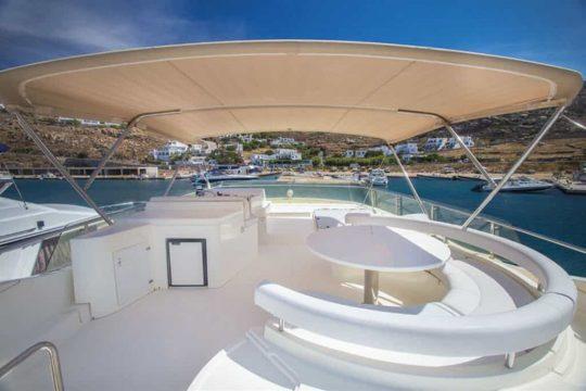Mykonos-luxury-yacht-Ferretti-68_08.jpg