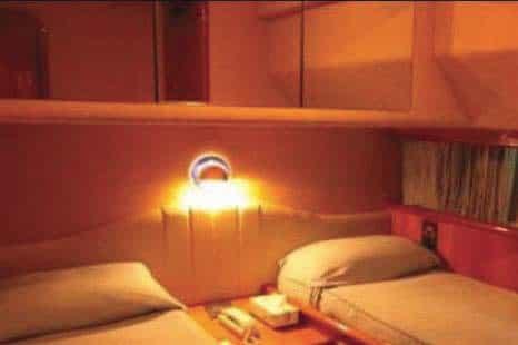 Mykonos-luxury-yacht-Ferretti-68_11.jpg