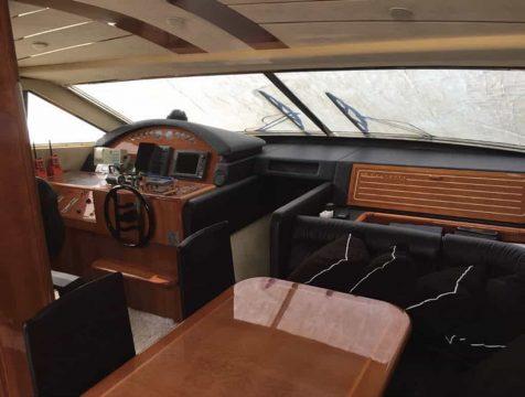 Mykonos-luxury-yacht-Ferretti-68_14.jpg