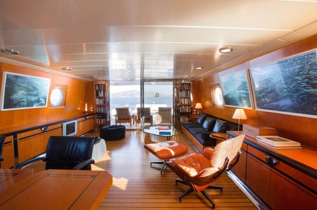 Mykonos Luxury Yacht LibraY19