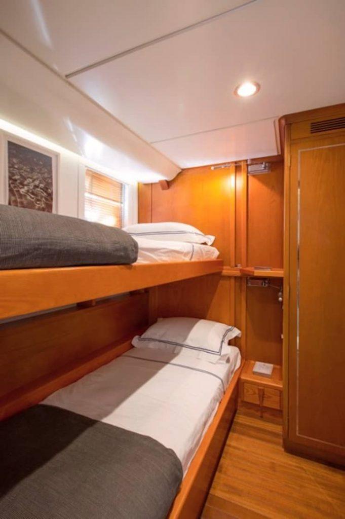 Mykonos Luxury Yacht LibraY23