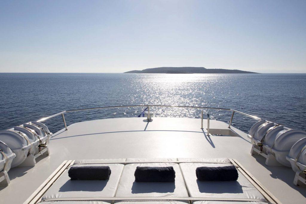 Mykonos Luxury Yacht LibraY7