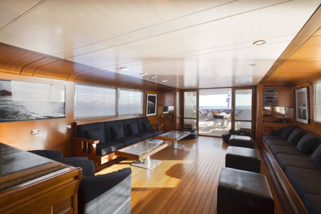Mykonos Luxury Yacht LibraY8