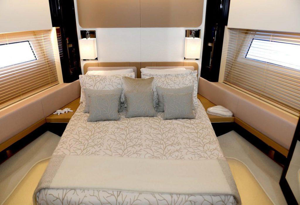 Mykonos Luxury Yacht Μakani19
