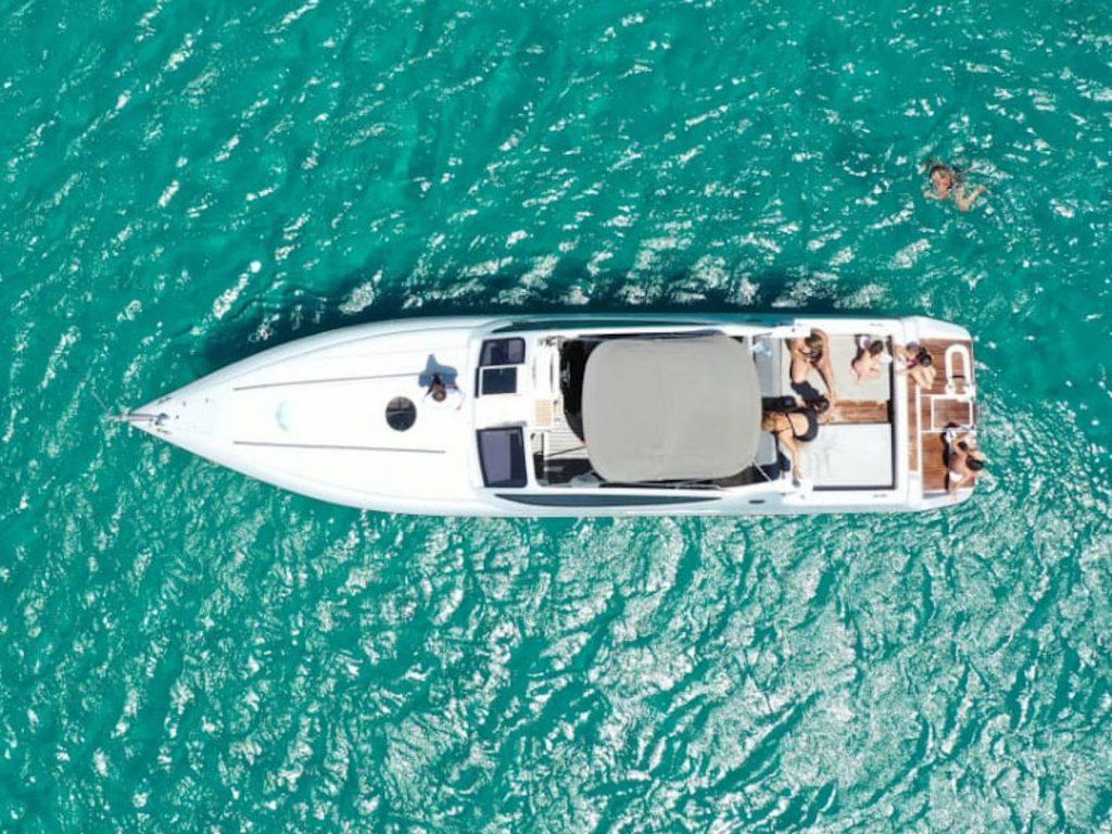 Mykonos Luxury Yacht Cigarette 360 Marlyn4
