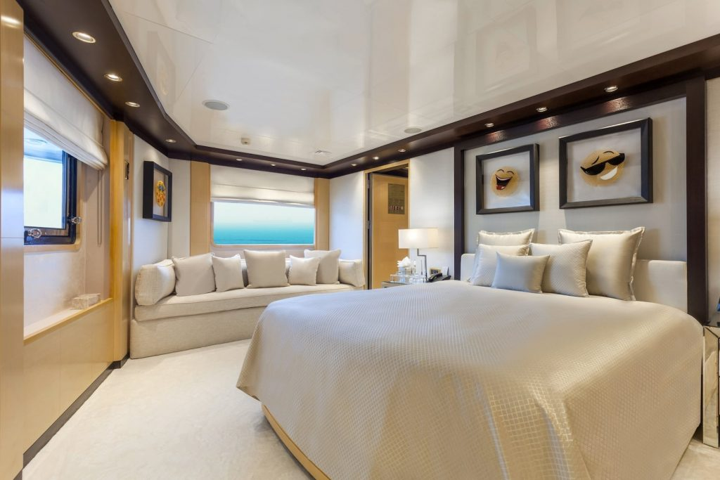 Mykonos Luxury Yacht Omega19