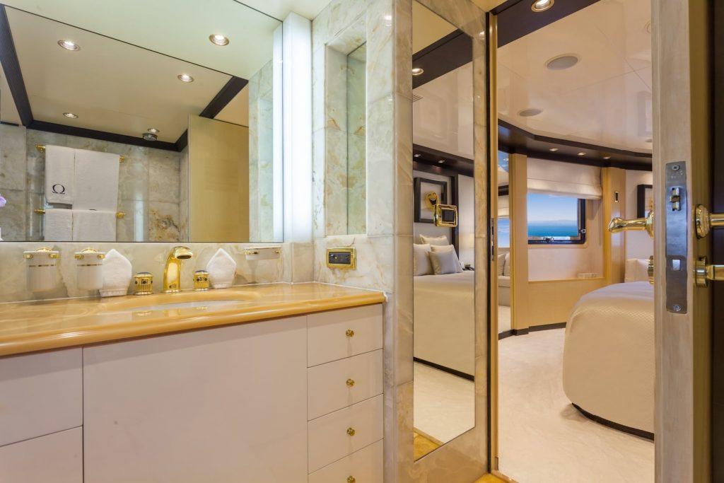 Mykonos Luxury Yacht Omega20