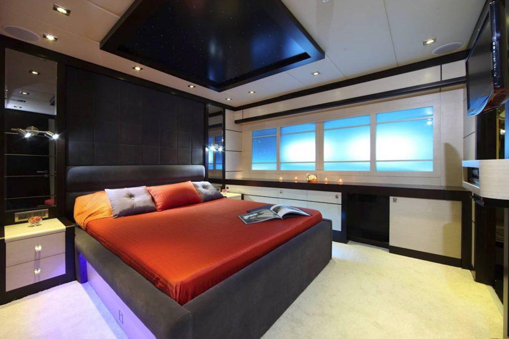Mykonos Luxury Yacht Perla Del Mare14