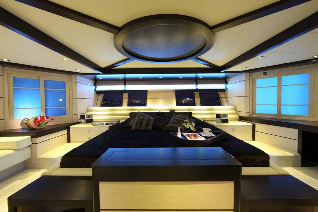 Mykonos Luxury Yacht Perla Del Mare15