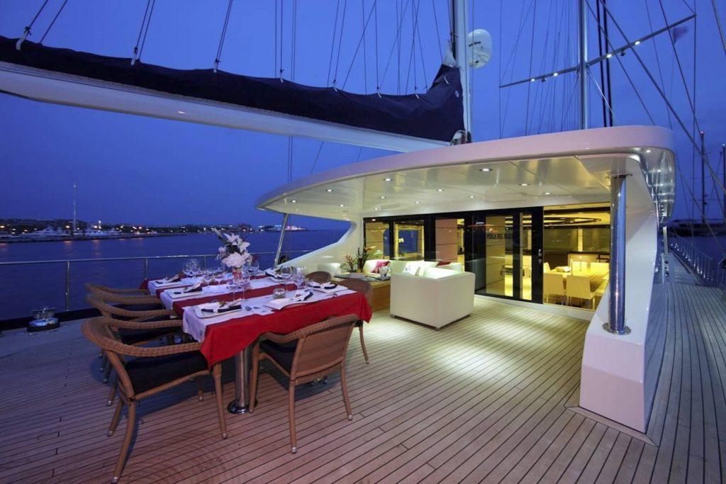 Mykonos Luxury Yacht Perla Del Mare6