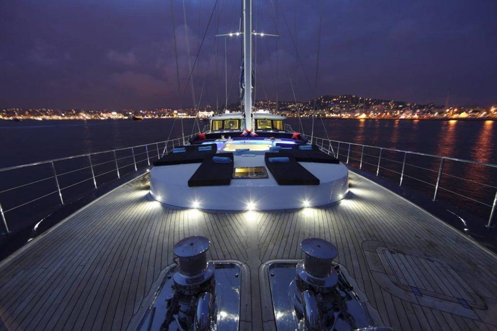 Mykonos Luxury Yacht Perla Del Mare7