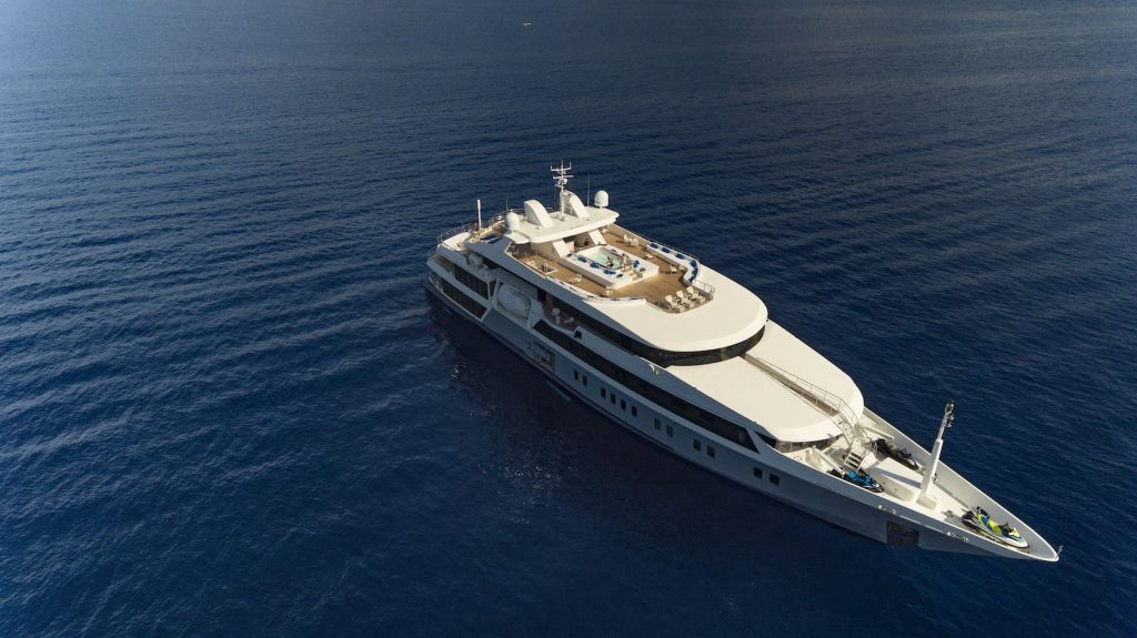 Mykonos Luxury Yacht Serenity11