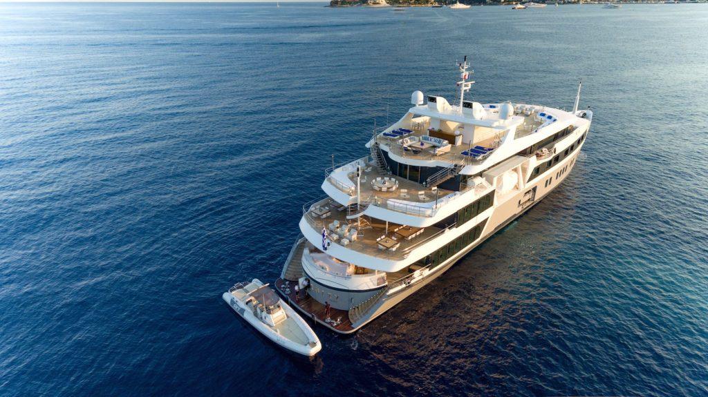 Mykonos Luxury Yacht Serenity12