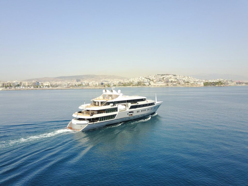 Mykonos Luxury Yacht Serenity14