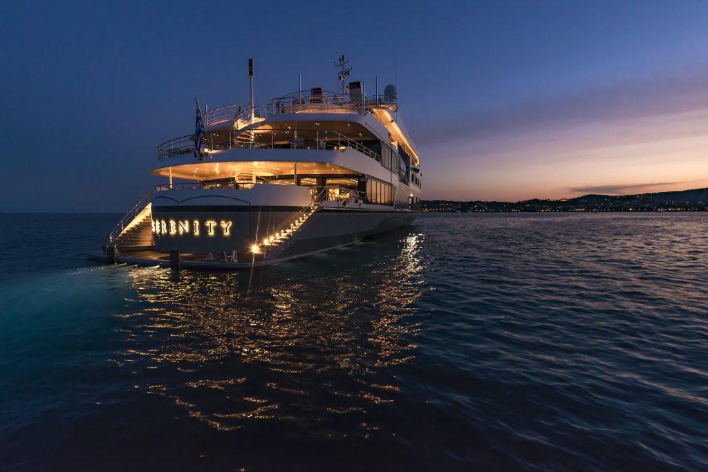 Mykonos Luxury Yacht Serenity15