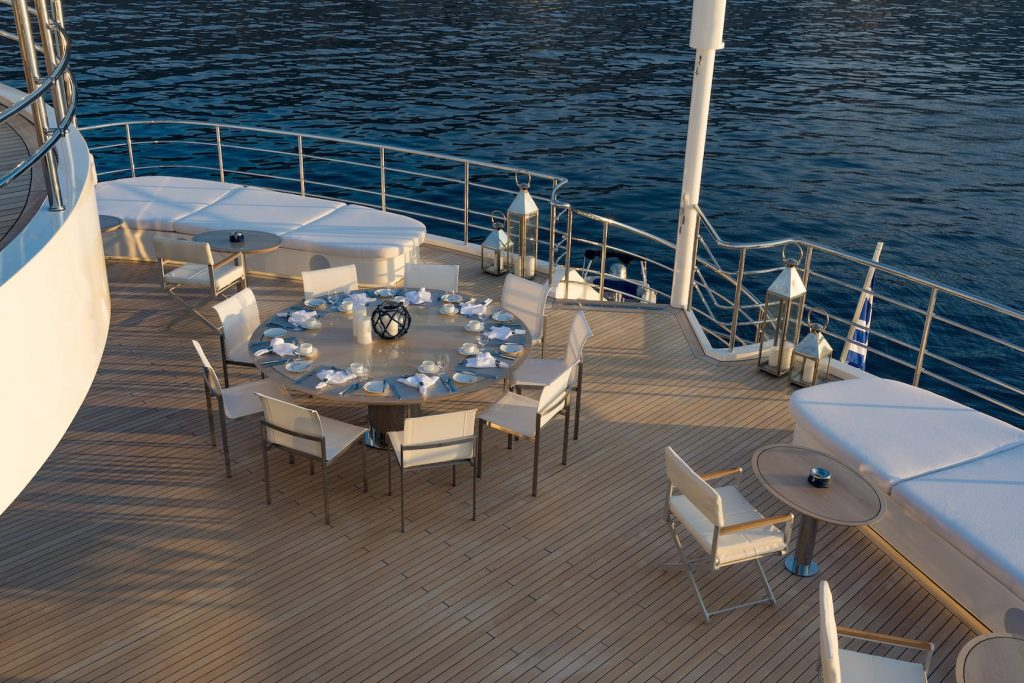 Mykonos Luxury Yacht Serenity18