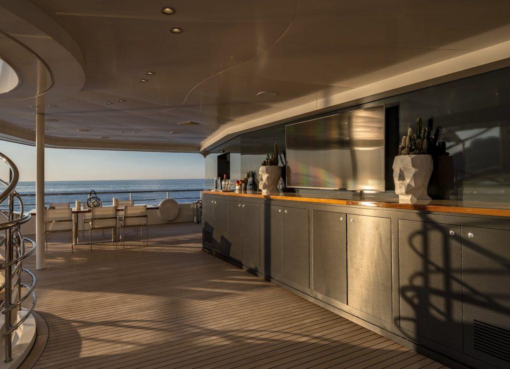 Mykonos Luxury Yacht Serenity19