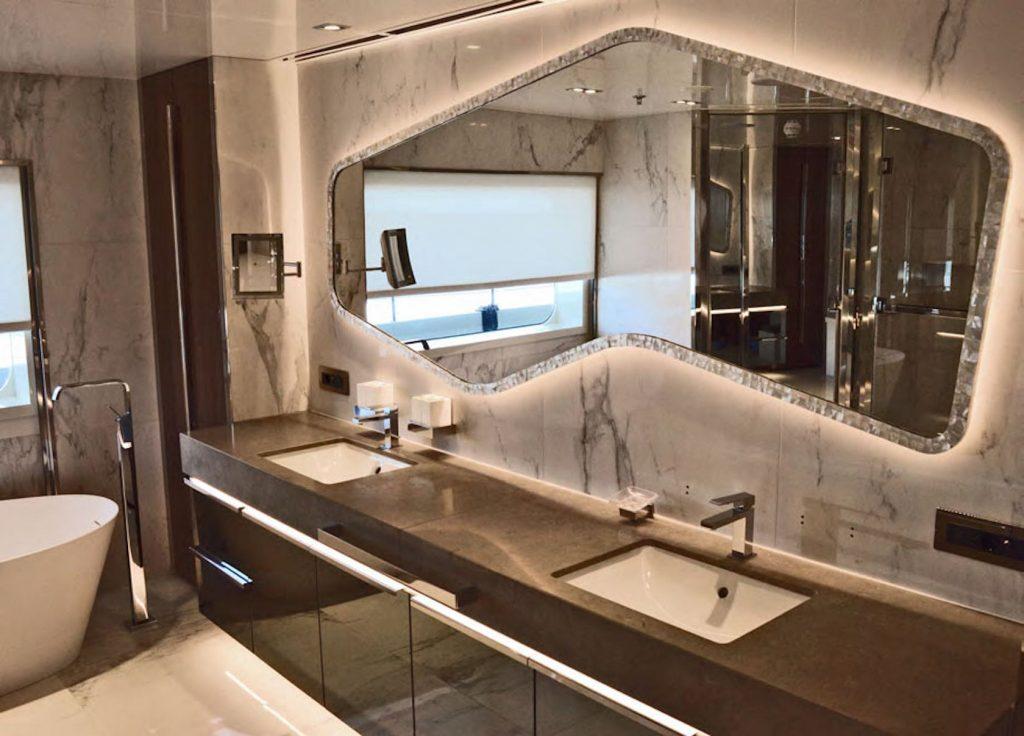 Mykonos Luxury Yacht Serenity27