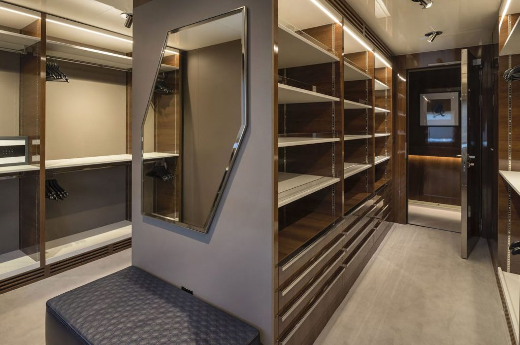 Mykonos Luxury Yacht Serenity28