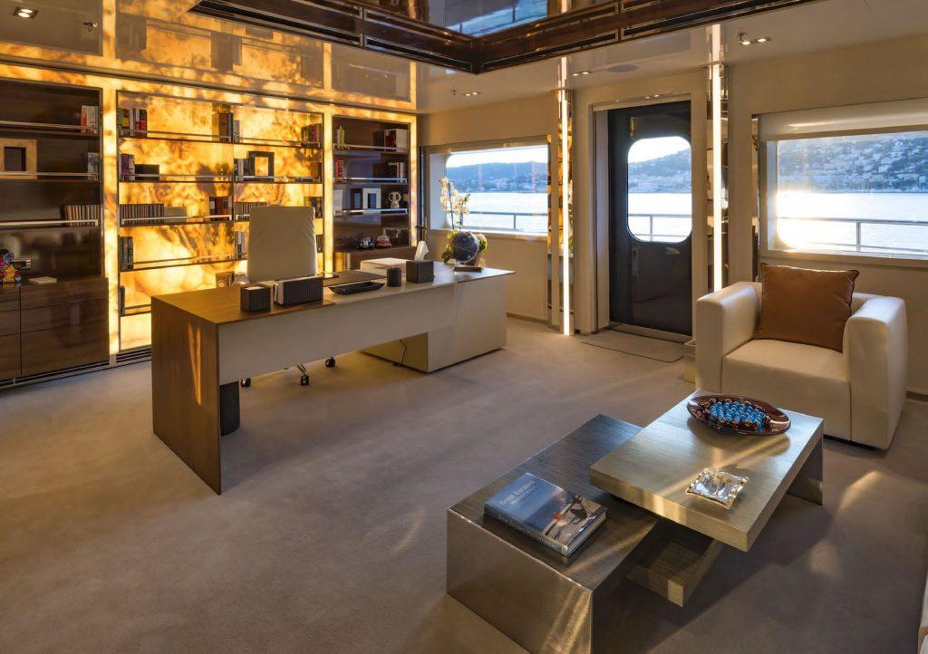 Mykonos Luxury Yacht Serenity29