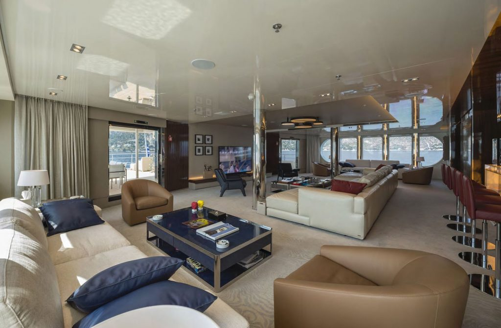 Mykonos Luxury Yacht Serenity31