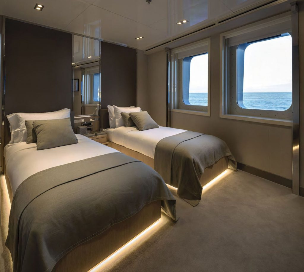 Mykonos Luxury Yacht Serenity38