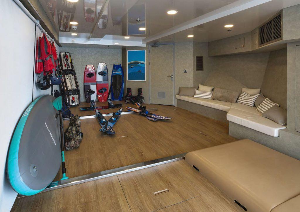 Mykonos Luxury Yacht Serenity42