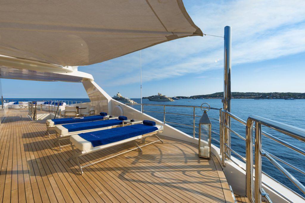 Mykonos Luxury Yacht Serenity8
