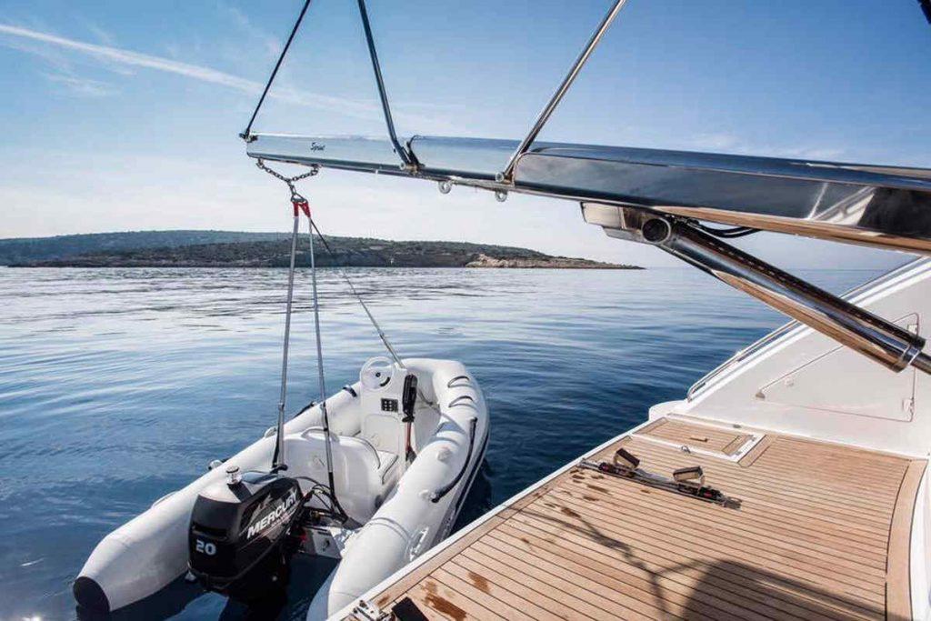 Mykonos luxury yacht Sunseeker Manhattan1