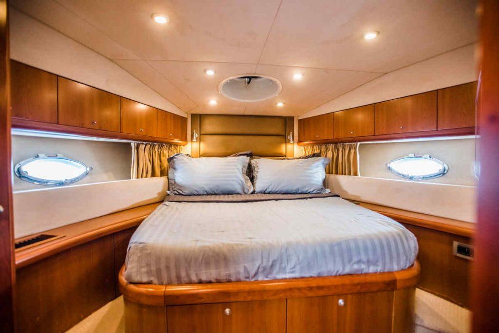 Mykonos luxury yacht Sunseeker Manhattan3