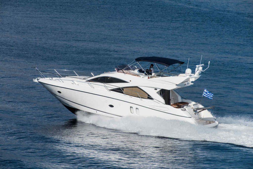Mykonos luxury yacht Sunseeker Manhattan6