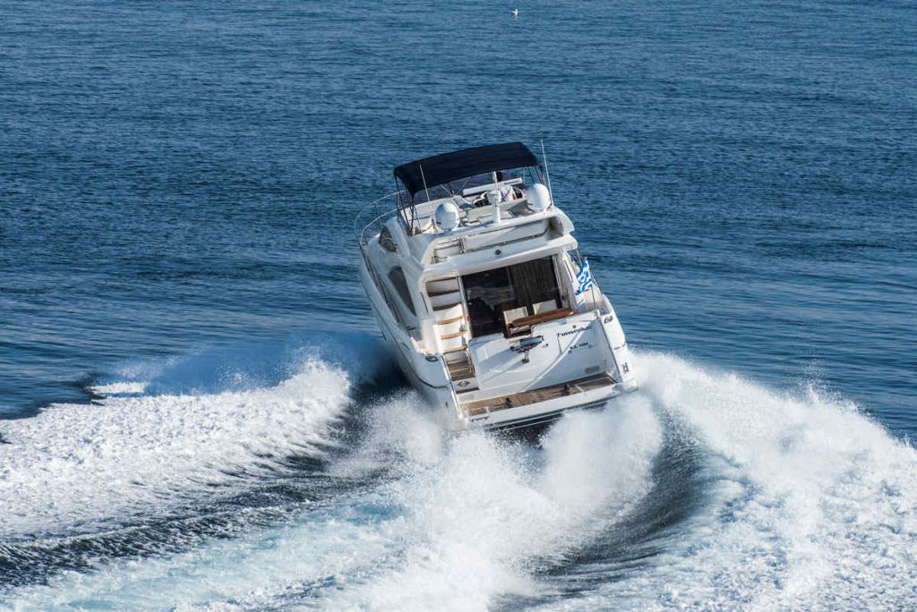 Mykonos luxury yacht Sunseeker Manhattan7